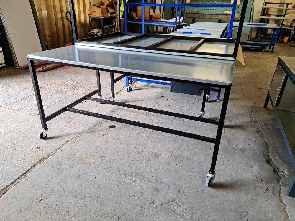 Bargain Steel top Medium Duty Workbench