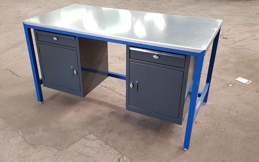 Workbench with 2 x cupboard and single drawers