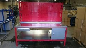 Heavy duty workbench in red